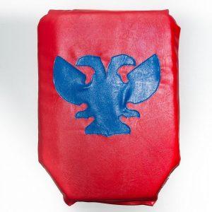 щит красный рубило